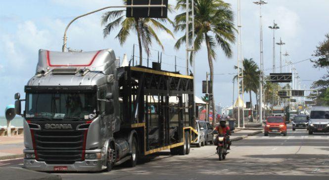 Protesto de caminhoneiros completa 10 dias na orla de Boa Viagem