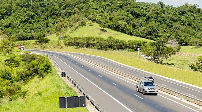 Concessionárias investem 122% a mais por km do que a gestão federal