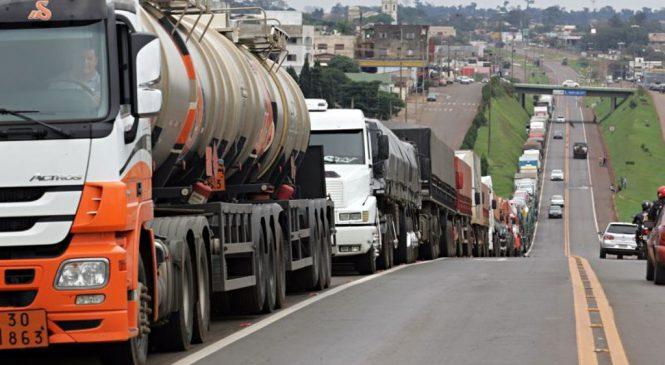 Veja onde acontecem protestos de caminhoneiros contra alta do diesel