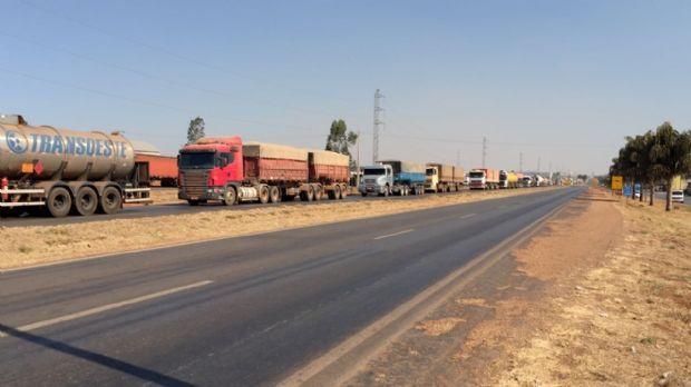 Após oito dias mobilizados, caminhoneiros de MT conseguem reunião na Casa Civil e ANTT