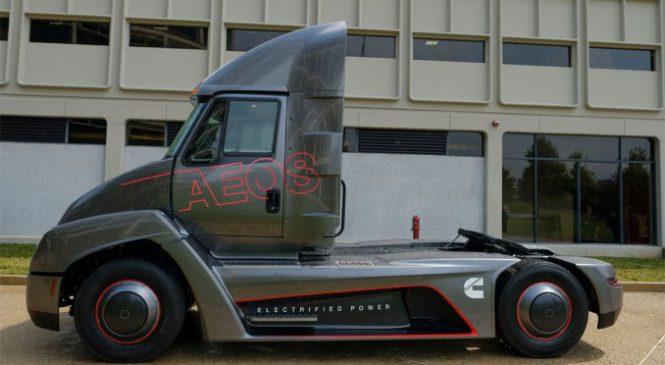 Cummins apresenta seu caminhão 100% elétrico