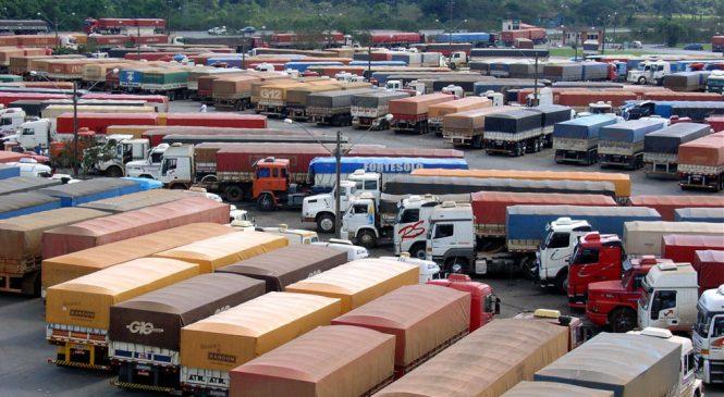Local de repouso para caminhoneiro deve respeitar tempo de direção, define comissão