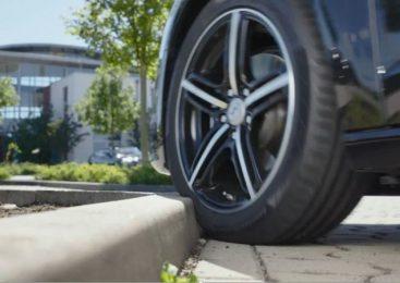 Atritos contra o meio-fio podem reduzir a vida útil do pneu