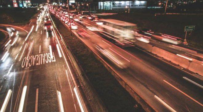 Pesquisa inédita de observação confirma imprudência de motoristas brasileiros em rodovia
