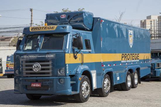 Frota de blindados da Protege ganha 1º caminhão refrigerado para transporte de cargas