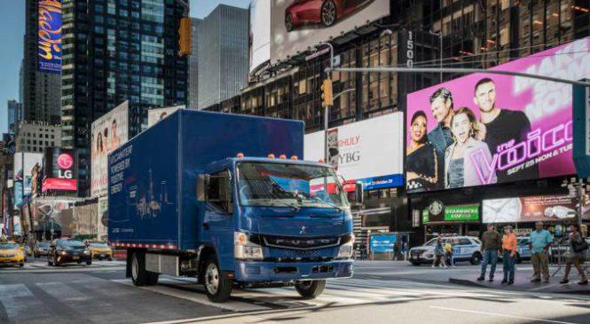 Mercedes-Benz lança o eCanter nos EUA e anuncia UPS como parceira