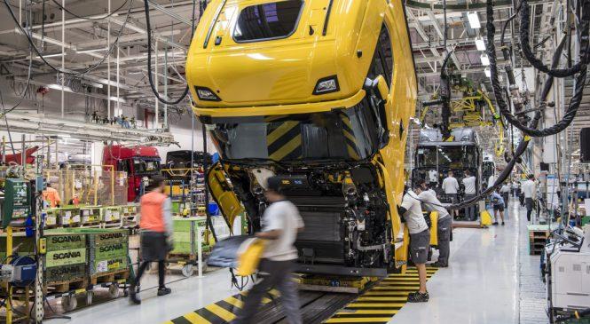 Mercado de caminhões cresce 8% em setembro