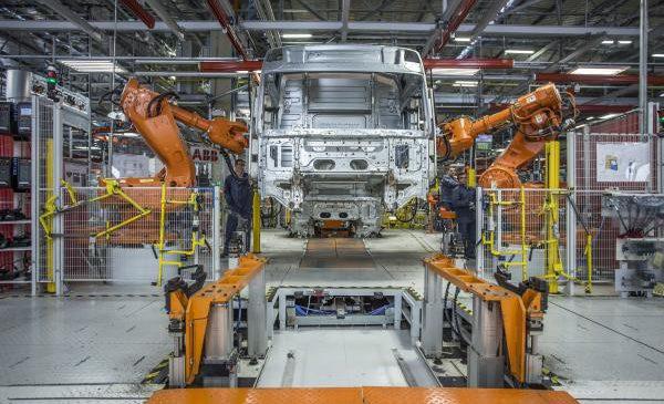 Decisiva na expansão da Volvo na América Latina, fábrica de cabines completa 20 anos