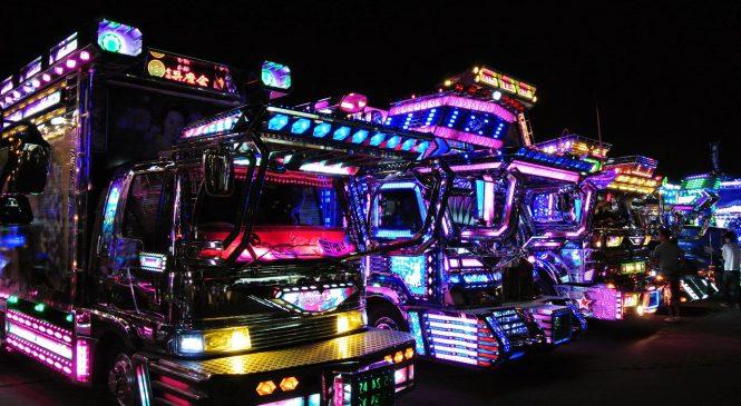 Dekotora, os caminhões decorados do Japão