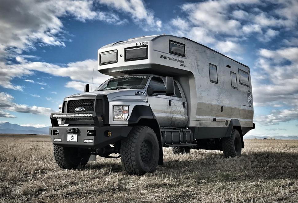 """Custando R$ 5 milhões, Earthroamer XV-HD é um """"Hotel 5 estrelas sobre rodas"""" para o Off-Road"""