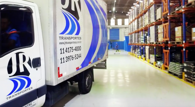 Jr Transportes está contratando Motorista Agregado