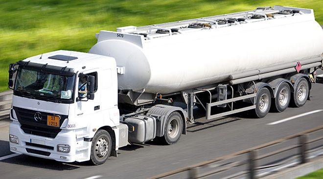 Começam a valer neste sábado novas regras do transporte de produtos perigosos