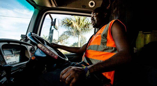 Tudo que poderia acontecer a você se fosse um caminhoneiro na África