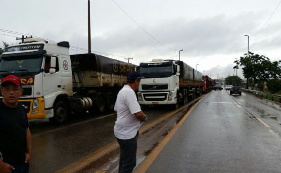 """Diesel acumula alta de 24% e preocupa caminhoneiros; """"pequenos terão que mudar de setor"""", diz líder"""