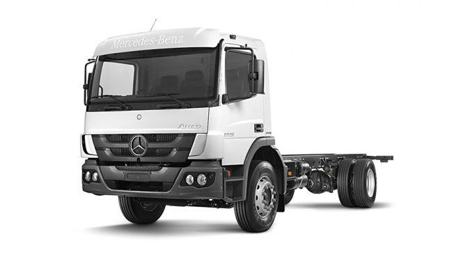 Mercedes-Benz exporta caminhões Atego para coleta de lixo no Líbano