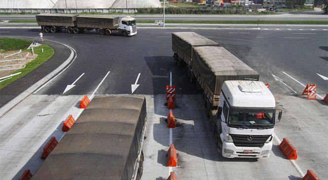 Sem filas, mais de 400 mil caminhões descarregaram no Porto de Paranaguá em 2017