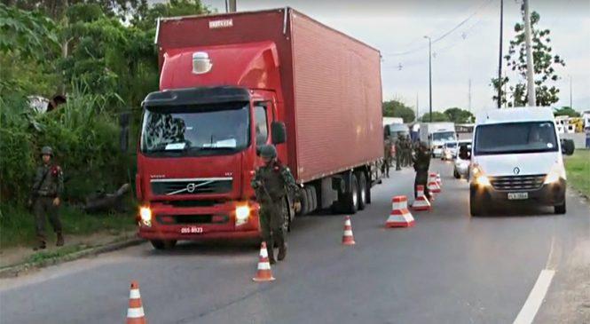 Estudo do Exército revela o dia da semana que ladrões preferem roubar cargas no RJ