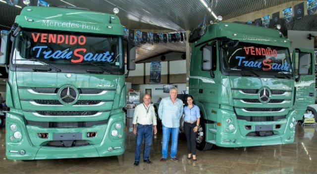Ribeirão Diesel comemora venda de série exclusiva de caminhões Actros