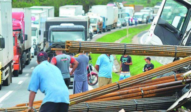 Nas rodovias de Minas, 43 km concentram 1.071 acidentes