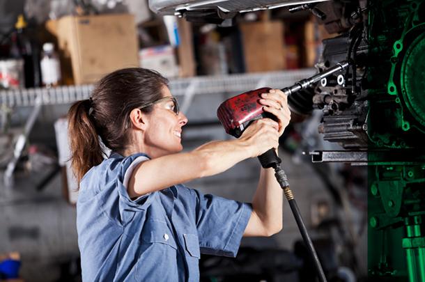 Concessionárias Carrera promove curso gratuito de mecânica para mulheres