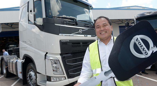 """Promoção """"Peça Volvo e Ganhe Mais"""" entrega caminhões aos vencedores"""