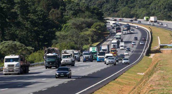 Em vez de tecnologia, rodovias mais movimentadas de SP estão inundadas de velharias