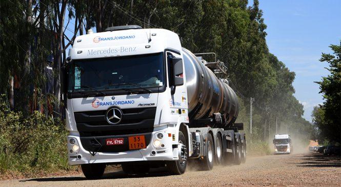 Mercedes-Benz realiza treinamento aos motoristas de caminhões Actros da TransJordano