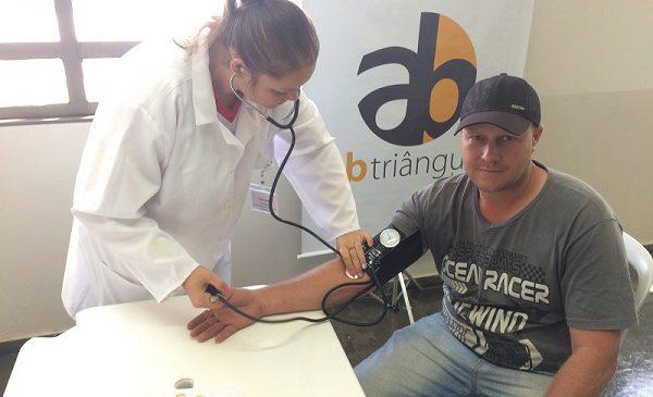 Concessionária realiza campanha de saúde e conscientização de caminhoneiros