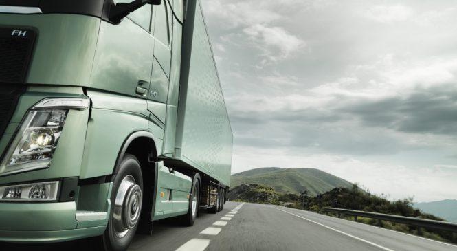 Volvo e Scania deixam a Ford Caminhões para trás