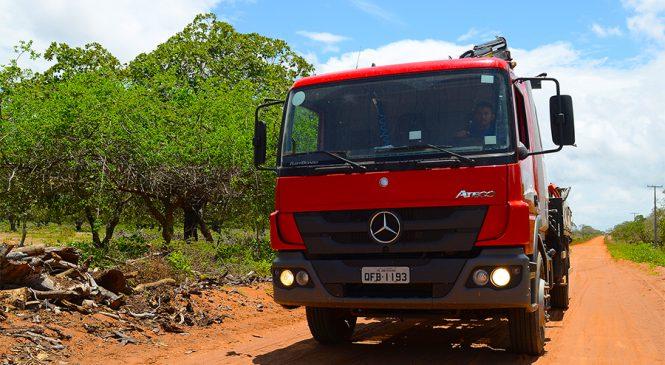 Caminhão Atego se destaca nos serviços de eletrificação no Nordeste