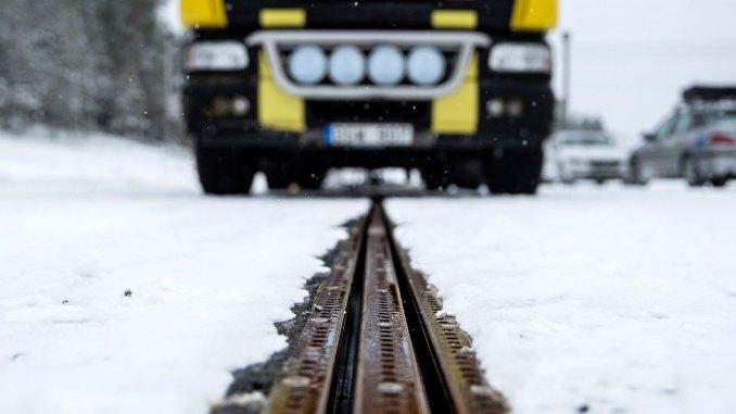Estrada eletrificada é inaugurada na Suécia