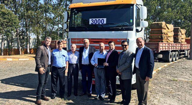 DAF entrega caminhão três mil na cidade de São Paulo