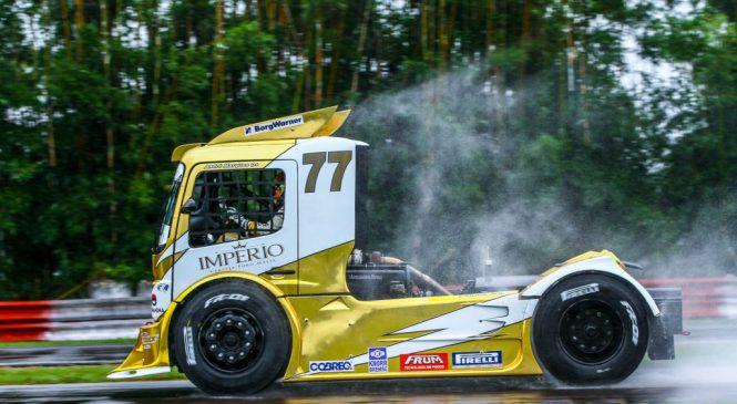 Mercedes-Benz e AM MotorSport celebram parceria e título na Copa Truck
