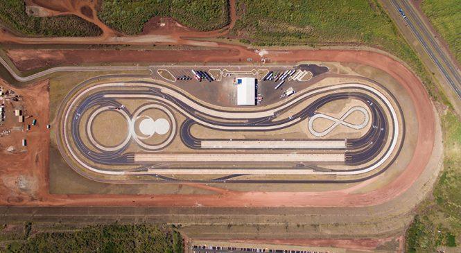 Mercedes-Benz inaugura seu Campo de Provas com investimento de R$ 90 milhões e muita tecnologia.