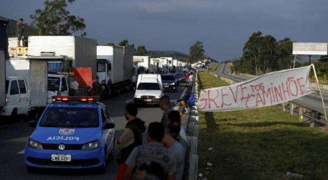 Líder dos caminhoneiros diz que greve só será suspensa com fim do PIS/Cofins sobre diesel