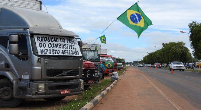Colaboradora do jornal Chico da Boleia, comenta o acordo entre governo Temer e sindicatos e entidades que representam os caminhoneiros