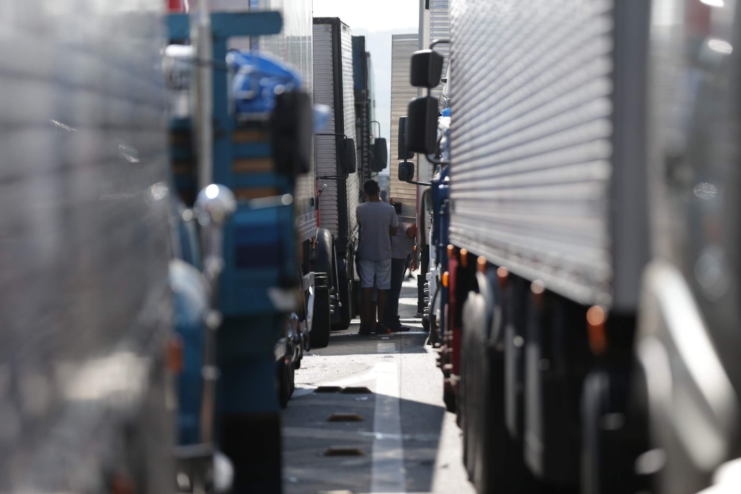 Falsa convocatória de paralisação de caminhoneiros causa alarde nas redes sociais