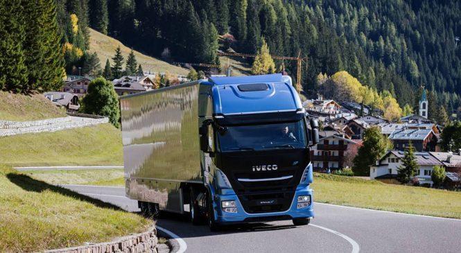 Caminhões IVECO movidos a GNC e GNL prontos para o futuro do transporte na Europa