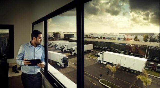 Volvo Trucks simplifica operações diárias com nova interface para serviços digitais