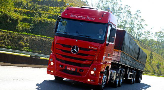 Mercedes-Benz aumenta as vendas de caminhões extrapesados no Sul com demonstrações e test-drive para clientes