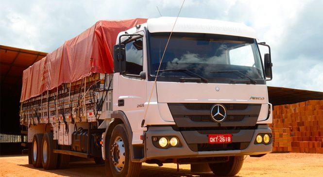 Motoristas destacam rentabilidade do caminhão Atego no transporte de cerâmica em Sergipe