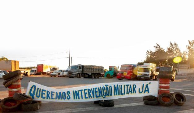 Defender intervenção militar é recorrer à tradição autoritária