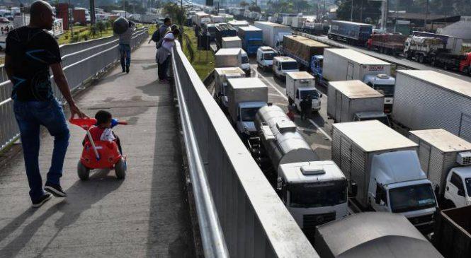 AGU recomendará a Temer veto à anistia aos caminhoneiros grevistas
