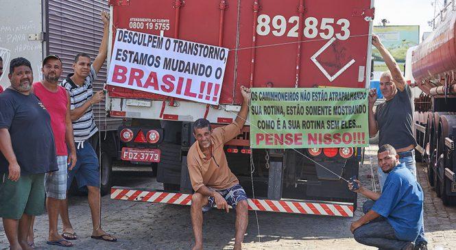 Greve dos caminhoneiros reacende debate sobre legislação trabalhista