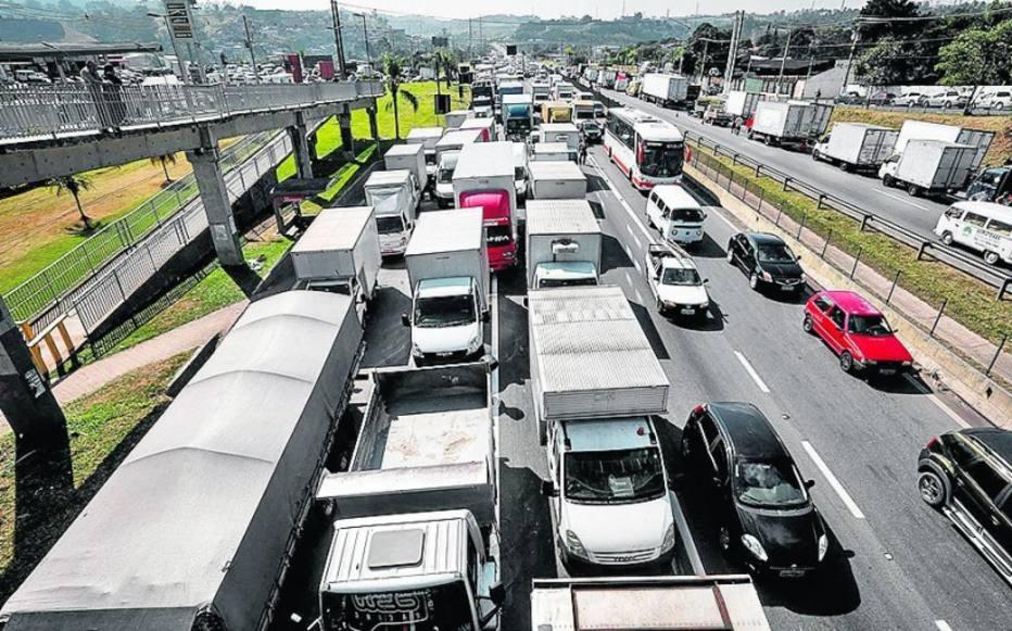 PIB perdeu R$ 20,3 bi por tabela do frete e preço do diesel