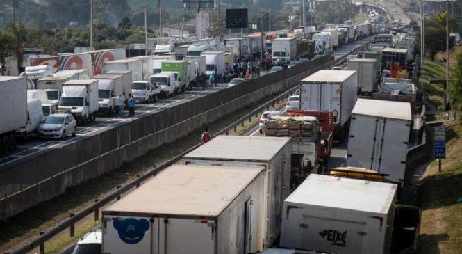 Falha no sistema da ANTT impede que caminhoneiros registrem documentos necessários para trabalhar
