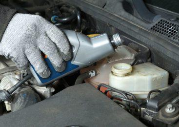 Saiba identificar a hora certa de trocar o fluido de freio