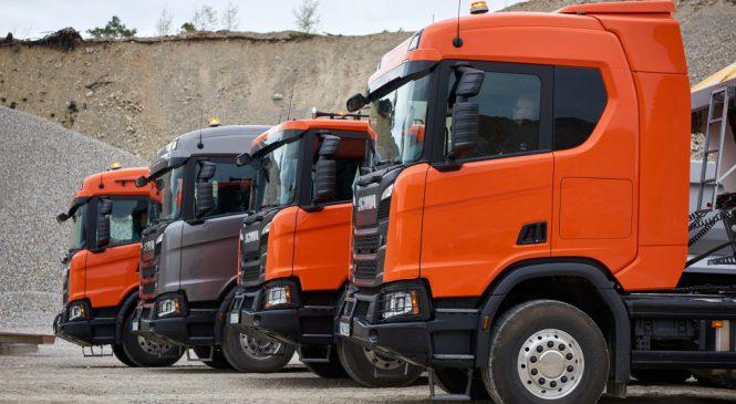 Emplacamentos de caminhões avançam 54%