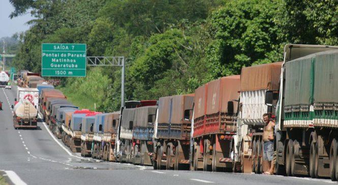Caminhoneiros reclamam de insegurança e exigem providências em Paranaguá