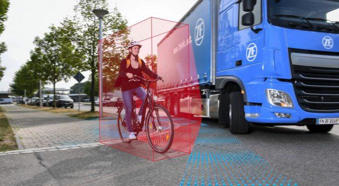 ZF desenvolve sistema de assistência lateral para caminhões